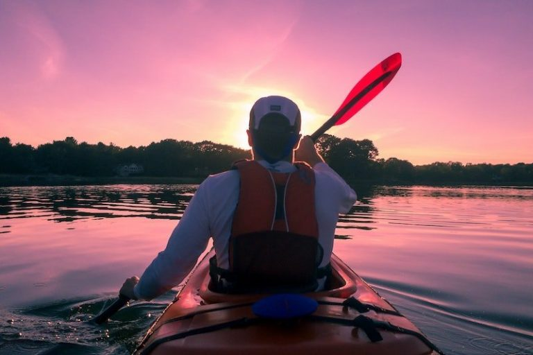 Best Life Vests for Kayaking 2021