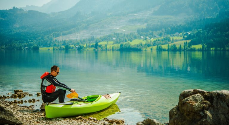Best Kayak for Rivers and Lakes in 2020: Ultimate Guide